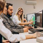 Sabe o que é o software para gestão de equipes externas? Preparamos um artigo completo para você na qual explicamos mais sobre esse tema.